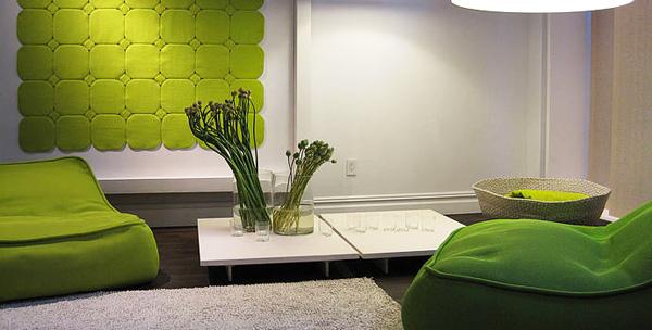 Колекцията включва дивани, кресла, табуретки, маси и килими