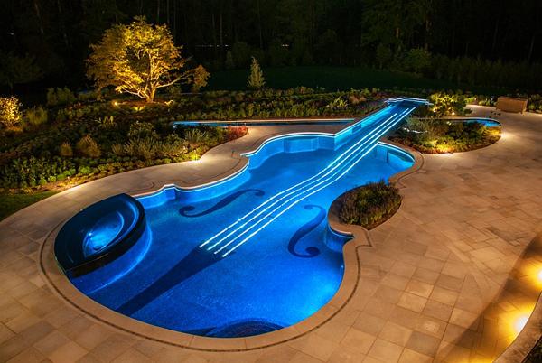 И водата засвири на... цигулка!