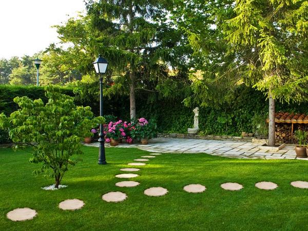 Стъпка по стъпка... към тайните на градината!
